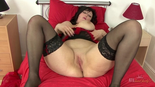 See Me Fingering My Chubby Milfy Pussy