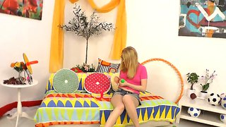 Sweet Geek Gal Daikiri Shows Off On Cam