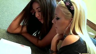 Molly Cavalli And Stephanie Moretti Reading Sexy