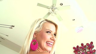 Anikka Albrite Bounces Her Round Ass And Gets Screwed Hard