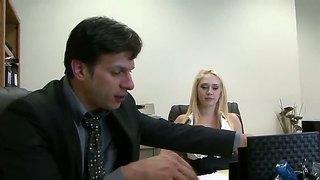Kagney Linn Karter Makes Wild Beautifulsex In The Office.