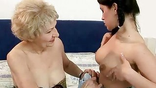 Granny Loves Pretty Teen