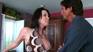 Hot Milf Rayveness Gets Licked By Tommy Gunn