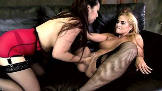 Brunette Cathy Heaven And Lesbian Tigerr Benson Do It On Cam For You To Watch And Enjoy