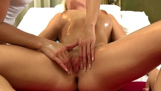 Massage Client Fingered By Model Masseuse