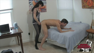 Angie Noir Cums By Pegging Lance Hart