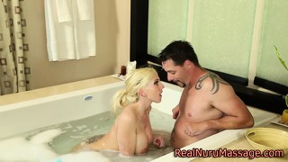 Masseuse Babe Sucks Client In The Bath