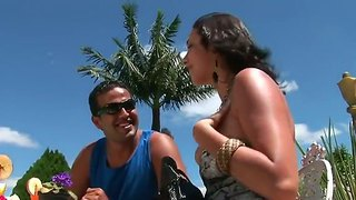Outdoor Amateur Action With A Gorgeous Brunette Dany And Her Boyfriend Tony Tigrao