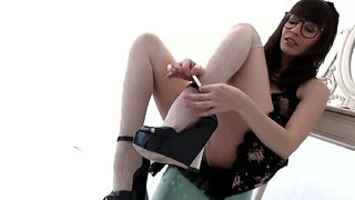 Brunette Dana Dearmond Gives Professional Foot Job