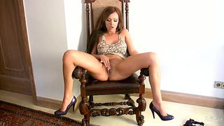 Flexible Harley Kent Masturbates On Chair And Floor
