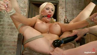 Blond Poesie Bdsm Milf