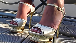 Gold Platform Dangling (Preview Of My Site) Full Hd