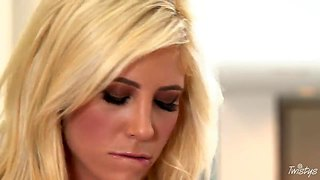 Glamorous Blonde Tasha Reign Pleasures Herself