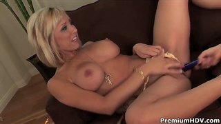 Jessica Lynn And Sammie Rhodes Bang Each Other