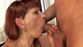 old milf want to get warm sex from the young co ck
