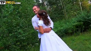 New Bride Madelyn Is Already Cheating On Her Hubby