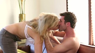 james deen gets his palms on milf julia ann