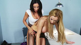 Two Remarkable Lesbians Demonstrate Wonderful Bisexual Fuck