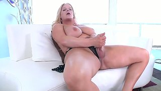 Chubby Blonde Tranny Holly Pushes Herself To The Limit