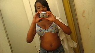 Sexy American Black Girl Posing In Front Of The Mirror