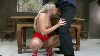 Exciting Blondie Knows How To Suck And Fuck