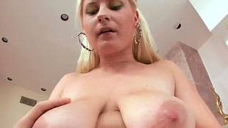 Blonde Cindee Does Awesome Titjob In Pov