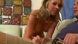 Hot Blowjob Scene With American Beautiful Curve Samantha Saint