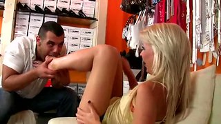 Tea Blondie Gives An Awesome Footjob To Tony