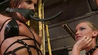 Mistress Playing With Hot Slavegirl
