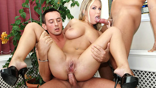 Super Hot Blonde With Big Natural Tits Is Fucked By 2 Cocks!