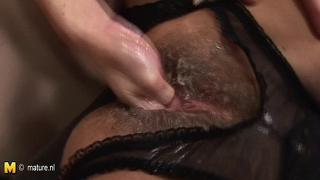 Kinky Mom Fisted By A Hot Babe
