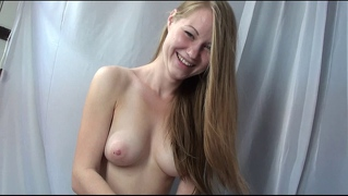 Russian Blonde Girl Gives Blowjob