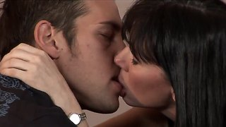 The Gorgeous Milf Rayveness Gets Seduced By The Johnny Castle