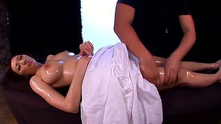 A Handsome Masseuse Gives Julia An Marvelous Massage That She Dreamed Off All Her Life