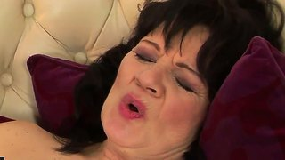 Ann Marie La Sante Asslicking Hairy Helena May's Wet Pussy.