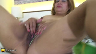 Chubby 50Yo Mama Getting Her Pussy Wet