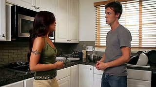 Lusty Brunette Kaylani Lei Facesiting The Man