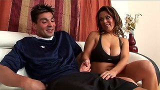 Sergio Suffers A Blowjob From Lusty Sienna West