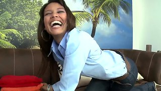 Beautiful Young Milf Liz Paole Proves That She Has Great Ass At The Casting