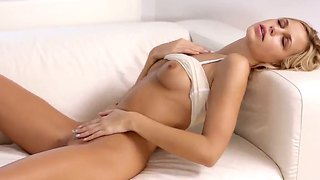 Exquisite Blonde Sandy Wakes Up Early In The Morning And Starts The Day With Pleasant Solo Action