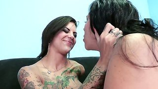 Dirty Sluts Bonnie Rotten And Missy Martinez Are Horny And Eager To Have Amazing Fun
