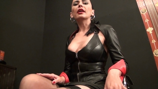 Latex Domina Német