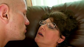 Horny Granny Gigi Gets Her Cunt Licked And Teased With Sextoys Warming Up For A Hard Fuck