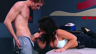 Brunette Hottie Jayden Jaymes Loves Rubbing And Deep Sucking Danny D's Huge Cock