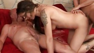 Extreme Pissing Threesome