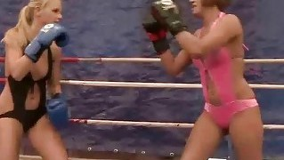 Young European Girls Fighting