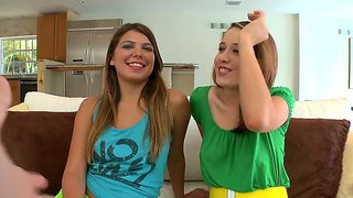 Amateur Femmes Ivy Ryder And Victoria Hold Forth Their Bums