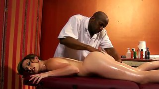 Black Prince Yashua Makes Sexy Massage For Jennifer White!