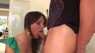 Gorgeous Syren De Mer With A Deep Throat And Hot Blowjob