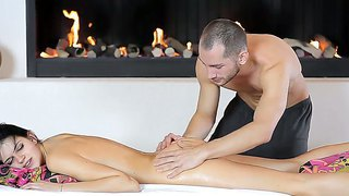 Brunett Massage Solo Oralt